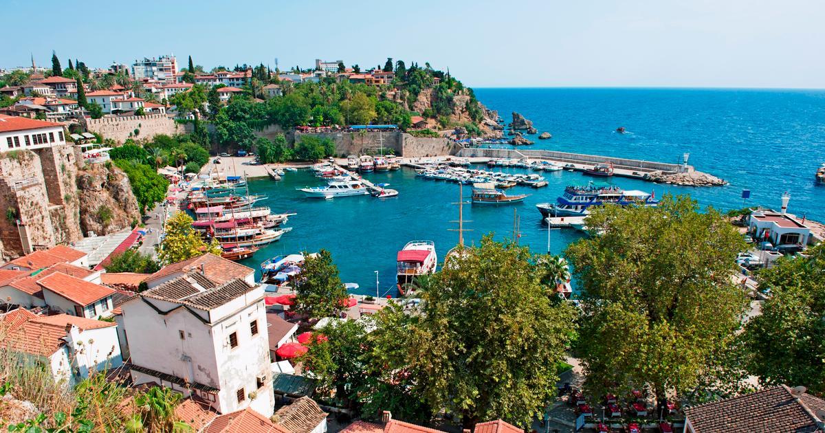 Berlin - Antalya Return im April ab 68 EUR, Corendon Airlines