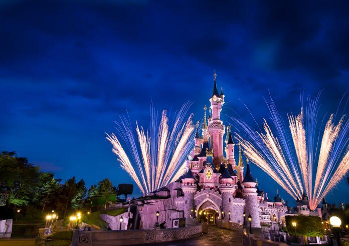 Disney's® Bonfire Event Paris November 2021 - 2 Nächte im Disneyhotel, 2 Tage Parkeintritt, kostenfreie Storno bis 31.08., ab 168 € p.P.
