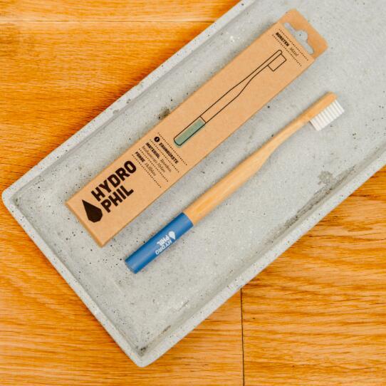 Bambuszahnbürsten von Hydrophili für die ganze Familie für jew. 1,99€ zzgl. Versand, damit 2 Zahnbürsten eurer Wahl für 5,88€