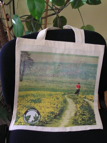 gratis tragetasche, aufkleber, postkarten bei naturpark