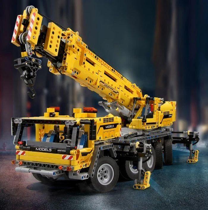 (Klemmbausteine) Mould King Kranwagen 13107, 2590 Teile inkl. Motoren (EU Versand)