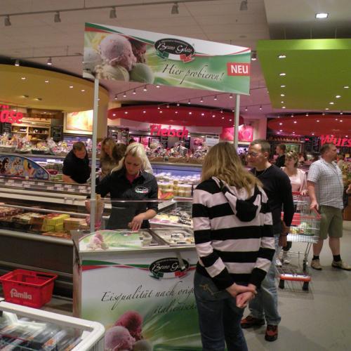 Gratis EIS im Famila Markt Löhne Promotion Stand