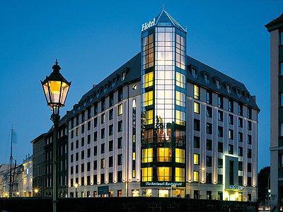 2 Nächte für 2 Personen in Berlin Mitte 3 Luxus City Days im 4* Derag Livinghotel für nur 129,- EUR inkl. 8 Freigetränke aus der Minibar und Frückstücksbuffet