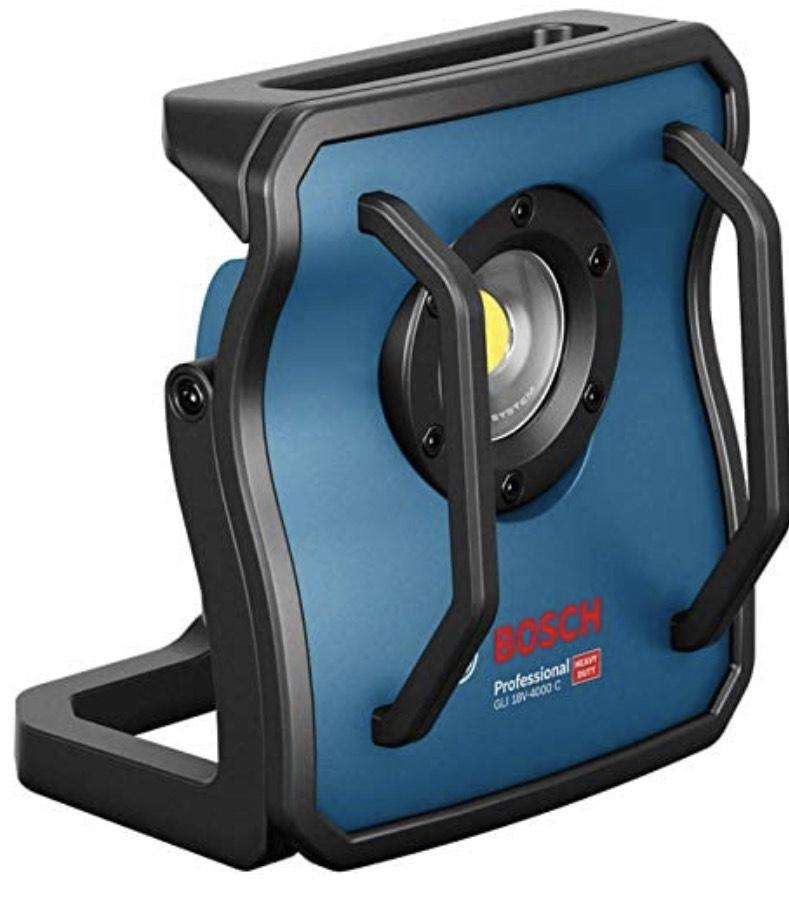 Bosch Professional 18V System Akku Baustrahler GLI 18V-4000 C (ohne Akkus und Ladegerät, Leuchtstärke: 4.000 lm, im Karton).