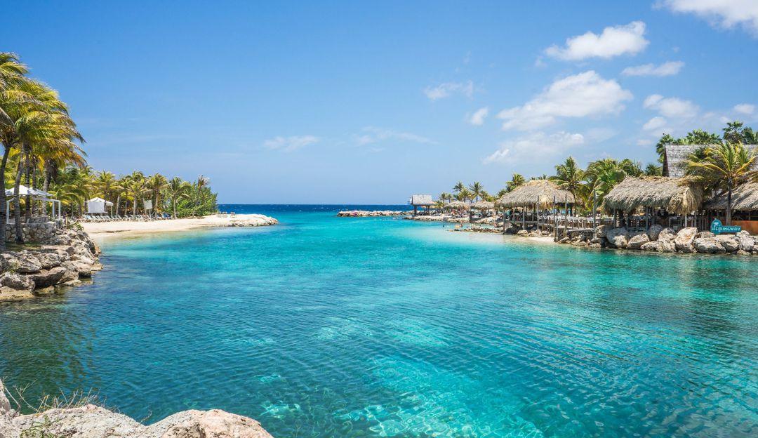 Last Minute: Karibik - Curacao - Flüge ab 480€ + 40% auf Unterkunft (Mai und Juni 2021)