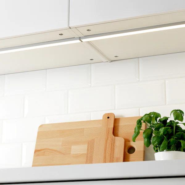10x Ikea OMLOPP Arbeitsbeleuchtung / Abholung durch Click & Collect