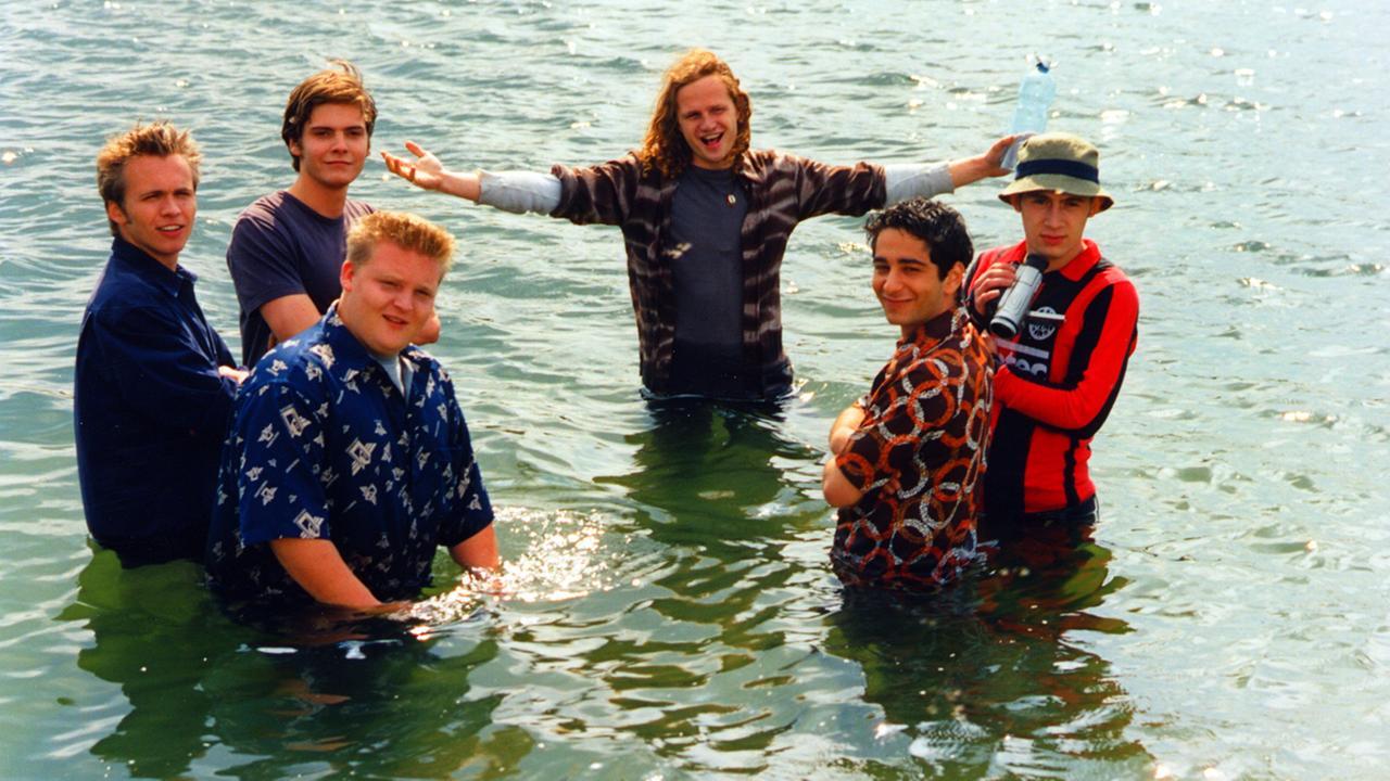 """[ZDF Mediathek] """"Der erste See des Jahres"""": 2000er-Kultfilm SCHULE mit Daniel Brühl und Axel Stein"""