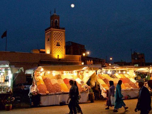 Flüge: Marrakesch (Marokko) ab Memmingen für 58,- € plus 1 Übernachtung - ab Baden-Baden 81,- € hin und zurück (April)