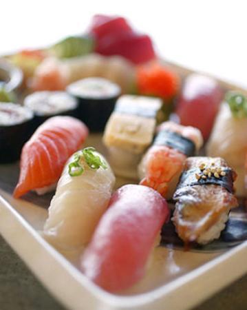 Sushi in Sendling zum Mittagsmenupreis (@Sushiya Bento / München)