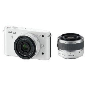 [Amazon WHD] Nikon 1 J1 Systemkamera (10 Megapixel, 7,5 cm (3 Zoll) Display) weiß inkl. 1 NIKKOR VR 10-30 mm und 10 mm Pancake Objektive