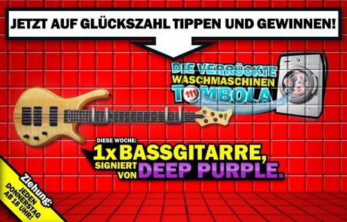 Signierte Bassgitarre von Deep Purple