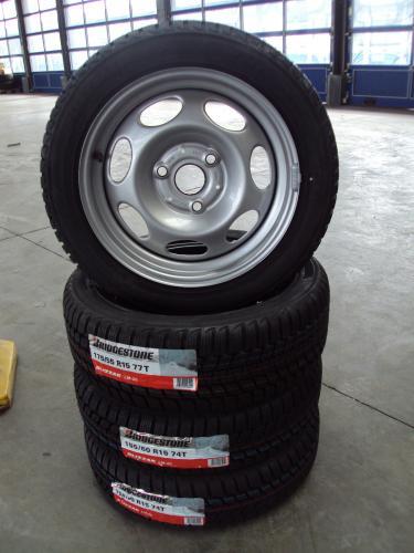 4 Neue Originale Smart 451 Stahlfelgen inkl. 4 Bridgestone LM20 für nur 270,- EUR + 45,- Versand