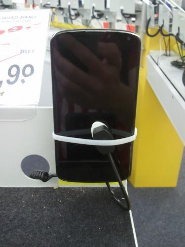 """Nexus 4 """"16GB"""" 299€ Pro Markt Göttingen"""