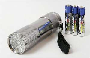 LED-Taschenlampe inclusive 3 Batterien