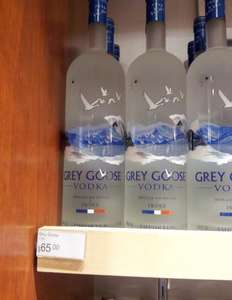 Grey Goose 1.75 L am JFK Airport für 65$ = 50,50 Eur