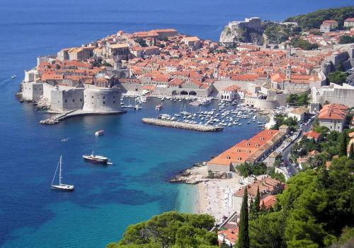 Flug + 3* Hotel 6 Tage Dubrovnik in den Sommerferien ab Frankfurt/Main für 2 Personen