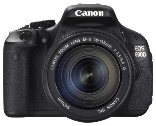Spiegelreflexkamera Canon EOS 600 D mit EF-S 18-135mm IS Objektiv für nur 629,- EUR inkl. Versand