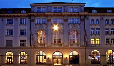11 € -- Lunch & Espresso im Rilano Lenbach Palais, -45%