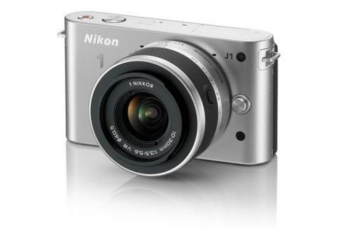 NIKON 1 J 1 silber + 10-30mm VR bei MM online für 177 Euro