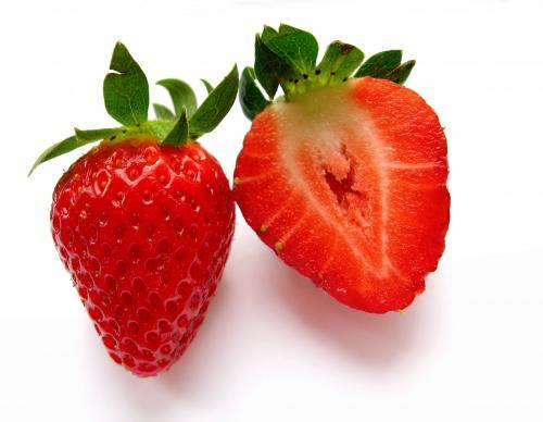 Erdbeeren aus Deutschland, Kl. 1 500g. 1€ @Netto [ohne Hund].