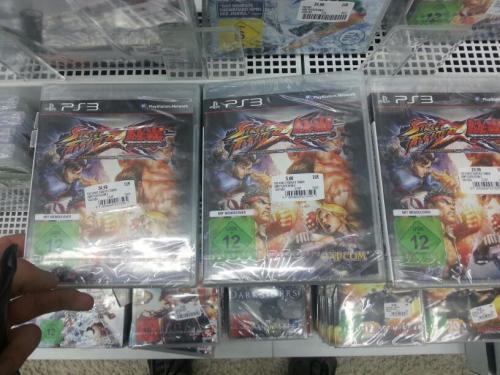 [LOKAL] Street Fighter vs. Tekken PS3 im Media Markt Köln Chorweiler