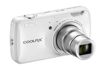 Nikon Coolpix S800c Kompaktkamera (16 Megapixel, 10-fach opt. Zoom, 8,9 cm (3,5 Zoll) Touchscreen, 1,7GB interner Speicher, Wi-Fi) weiß @Köster