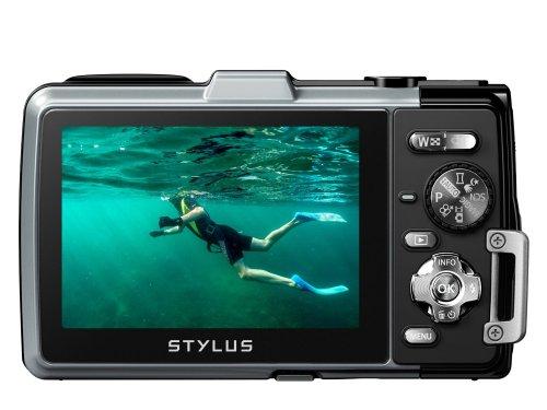 Olympus TG-830 Digitalkamera (16 Megapixel, 5-fach opt. Zoom, 7,6 cm (3 Zoll) LCD-Display, Full HD, GPS, Wasserdicht bis 10m) silber für 227€ @Amazon.co.uk