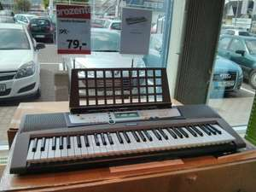Yamaha EZ-200 Portable Keyboard Lokal Mühlheim-Kärlich Tchibo-Prozente 79€ statt 199€