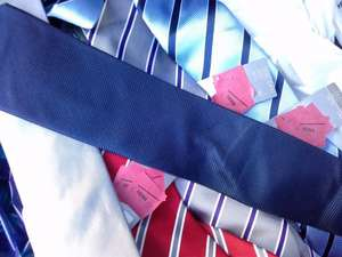 Echt Seide Krawatten für 2€ [lokal] @ HEMA Essen