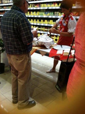[LOKAL/Landau/Pfalz] REWE: viele kostenlose Snacks (z.B. dry aged Beef, Chili, Popcorn, Sekt, Wein)