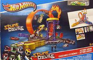 Real-Prospekt: HOT WHEELS Stunt Devils Action Arena: 14,99 (idealo 26,98)