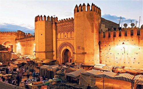 Flüge: Marokko-Rundreise (Marrakesch / Fez / Tanger) ab Weeze oder Hahn 50,- € hin und zurück (September - Oktober)