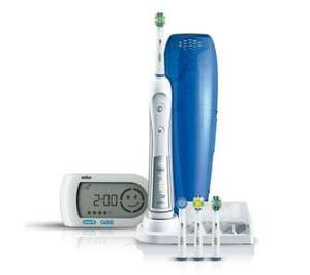 Dealclub: ORAL-B Triumph 5000 elektrische Zahnbürste inkl. SmartGuide ab 45,89 Euro