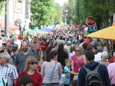 [Bonn-Beuel] Bürgerfest - 10% auf alle Tchibo-Artikel, viele supergünstige Blumen, Gratis-Artikel, etc