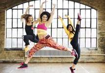 Tanze Zumba im September Gratis bei Fitness First