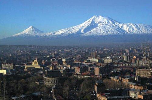 Flüge: Eriwan (Yerevan) / Armenien ab Amsterdam 153,- € hin und zurück (November / Dezember) - Reise 8 Tage (Flug, Transfer, 3* Hotel) 287,- € p.P.
