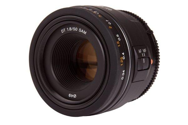 Sony  Festbrennweite DT 50mm AF f/1.8 SAM (SAL-50F18) für 106,40€ @ Amazon.co.uk