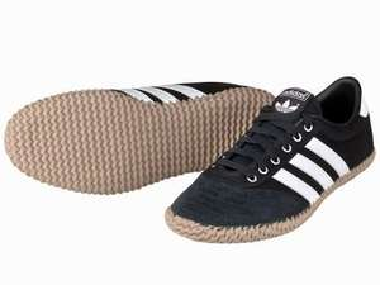 Adidas Herren-Schuhe Volley Plimsole für 24,94€ @ Lidl