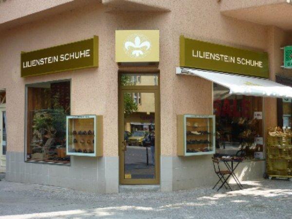 Lokal Berlin: Teure Herrenschuhe 70% reduziert