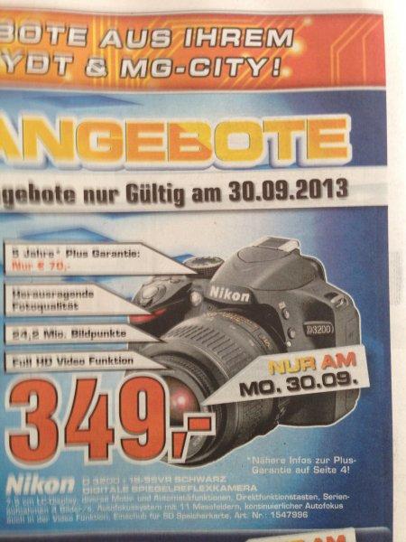 Nikon D3200 Kit mit 18-55VR Objektiv [lokal Mönchengladbach]