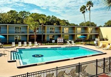 Florida (Kissimmee) 2 Pers. 1 Woche Flug & Hotel ab AMS für 360€ p. P.