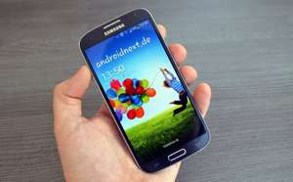 Galaxy S4 günstig durch Schubladenvertrag ! 357,60 Euro + eventuell nutzbarer Tarif.