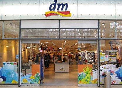10% Eröffnungsrabatt mit Olivia Jones im dm-Markt Essen-Altendorf
