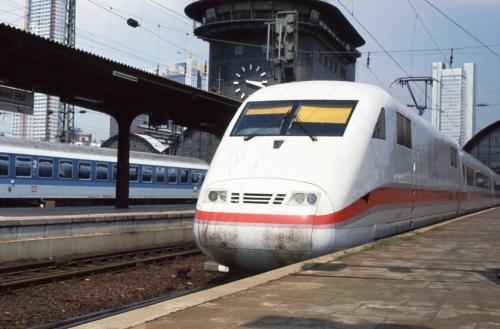 Bahn: 20 Jahre ICE - (fast) 20€ sparen
