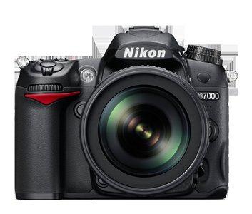 NIKON D 7000+18-55mm VR