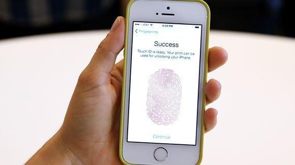 iPhone 5S in Spacegrau und Silber. 16GB für 658,50€, 32GB Spacegrau für 752,22€!