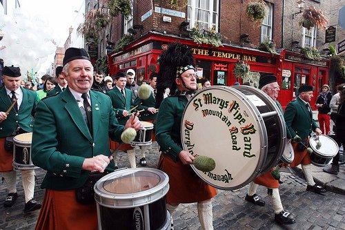 Reise: 4 Nächte Dublin zum Temple Bar TradFest ab Hahn oder Memmingen (Flug, Transfer, zentrales 3* Hotel) 154,- € p.P. (Januar)