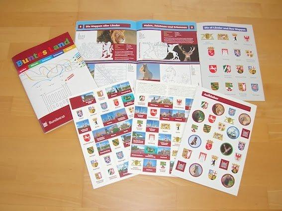 """""""Buntes Land"""" - Mal- und Spielbuch mit Sticker für Kinder im Grundschulalter vom Deutschen Bundesrat"""