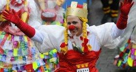 Köln: gratis Karnevalskonzert am 11.11.2013 auf dem Heumarkt - 10 Std - inkl. kostenloses Liederheft