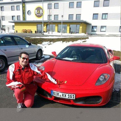 Ferrari fahren für 25, Euro zzgl. Versand und Nebenkosten